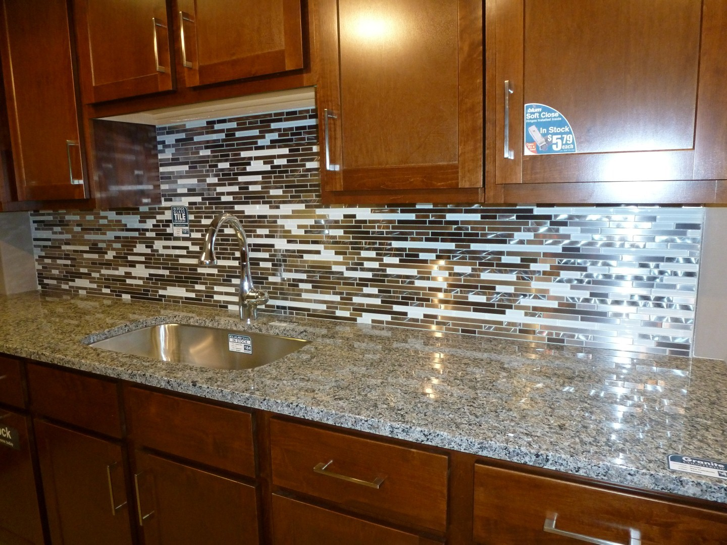 Brilliant Metal And White Glass Random Strips Backsplash ...