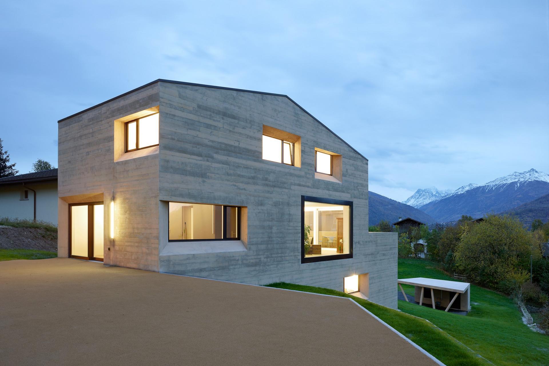 . Modern Prefab Home in Sloping Hillside Design