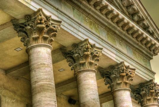 the great historical greek architecture corinthian columns